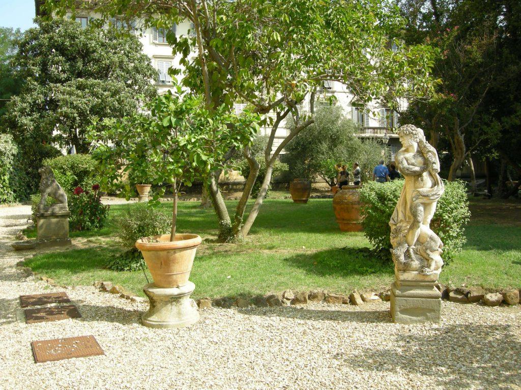Il giardino del Palazzo Ximènes-Panciatichi... oltre 500 anni di storia piena di eventi.