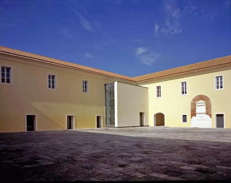 Il Quartiere Militare Borbonico di Casagiove a Caserta dove si terrà la Biennale d'arte contemporanea