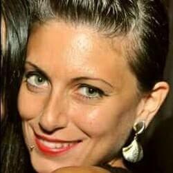 Chiara Napolitano è un'artista contemporanea italiana