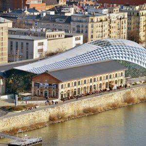 Budapest: il centro artistico dell'Europa dell'Est - Architettura moderna come la Balena (Bálna) di Budapest