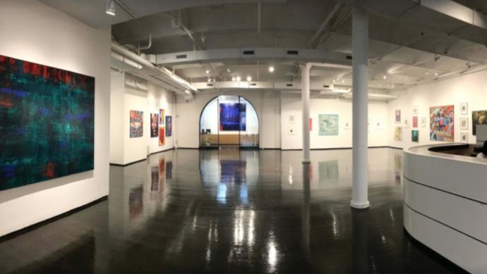 L'immagine dell'opera dell'artista con la quotazione sarà videoesposta in galleria a New York, godendo di assistenza di vendita.